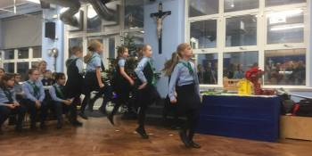 after-school-clubs-irish-dancing-perfomance